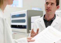 Despre HPV: Cum ii afecteaza pe barbati virusul care favorizeaza cancerul de col uterin