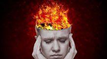Migrenele sunt mai frecvente de Sărbători. Motivele pentru care apar sunt NEAȘTEPTATE. Printre ele  sexul și mirosurile!