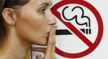 A trecut un an de când nu se mai fumează în spațiile publice din România. Primele efecte ale legii antifumat