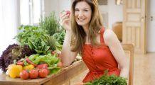 Detoxifierea după sărbători. REȚETE de la TREI experţi în alimentaţie. Ce să mâncați la cele trei mese principale
