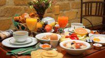 La ce oră ar trebui să luați MICUL DEJUN, PRÂNZUL și CINA. Plus: de ce sunt dăunătoare pentru sănătate șaorma și cartofii prăjiți