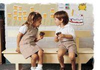 Fetele se descurcă mai bine decât băieţii la şcoală? Iată ce spun experţii