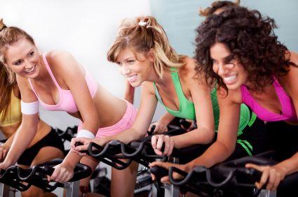 3 minute de exerciții pe săptămână sunt suficiente pentru a ne menține în formă? Iată ce spun specialiștii