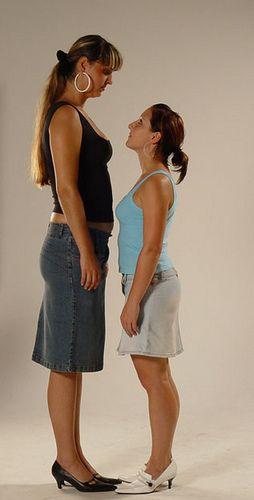 Oamenii scunzi sunt mai graşi decât cred, conform noii metode de calcul a indicelui de masă corporală