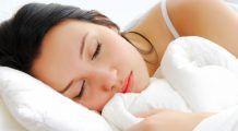 De ce TRESĂRIM, atunci când suntem pe punctul de a ADORMI? Din secretele unui somn odihnitor