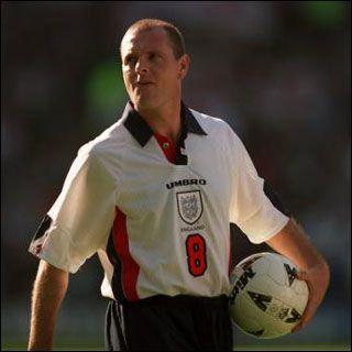 Un fost mare fotbalist englez a devenit dependent de sirop pentru copii