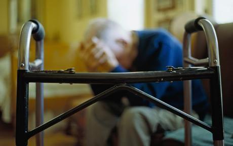 Credeţi că Alzheimerul este o boală ereditară sau că poate afecta doar bătrânii? Iată adevărul din spatele miturilor referitoare la demenţă