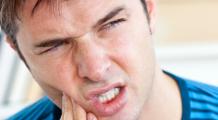Ce boală anunță sângerarea gingiilor și tartrul?
