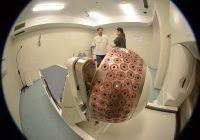 OZN-urile din spitalele de stat: Roboți în loc de chirurgi și cancere tratate la cască