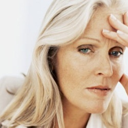 Metoda prin care femeile pot afla când vor ajunge la menopauză