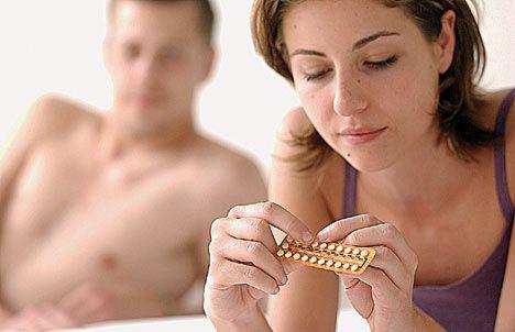 Modul bizar in care anticonceptionalele afecteaza apetitul sexual al femeii si cat de atrasa este de partenerul ei