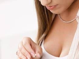 Pilulele de a doua zi sunt  bombe hormonale. Ce riscuri presupune această metodă de contracepţie