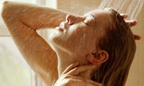 De ce nu este sănătos să faci duş zilnic