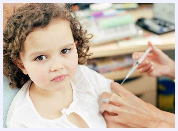 Îngrijorător: rata de vaccinare a copiilor români este sub recomandările internaţionale iar incidenţa bolilor creşte