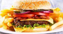 Ştim că ne fac rău dar nu putem renunţa la ele. Cercetătorii explică de ce alimentele junk food creează dependenţă