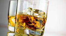 În cazul căror persoane alcoolul triplează riscul decesului prin boli de ficat