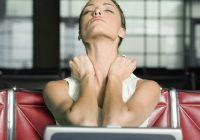 Cum se manifestă tulburarea care afectează femeile şi cauzează creştere în greutate şi căderea părului