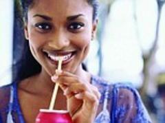 Ce păţeşti dacă bei o băutură dulce pe zi