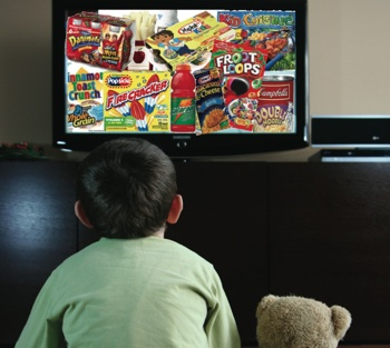 Specialiştii în diabet avertizează asupra efectului reclamelor de la tv - mâncăm mai prost şi mai nesănătos