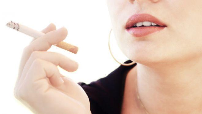 Ce altă boală cumplită le paşte pe fumătoare, în afară de cancerul pulmonar