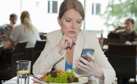 Cum te poate ajuta telefonul mobil să scapi de kilogramele în plus