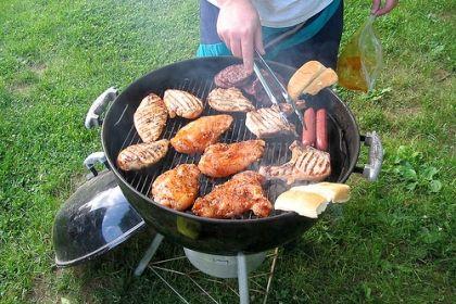 Aveți grijă să aruncați orice bucată de carne arsă