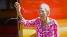 O femeie de 105 ani dezvăluie secretul longevităţii sale: a consumat în fiecare zi un aliment considerat nesănătos