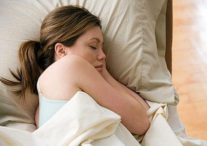 Prea mult sau prea puțin somn pot duce la îngrășare și boli. Cât este normal să dormi pe noapte
