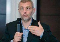 """Prof. dr. Mihai Berteanu, medicul care i-a ajutat după operații pe Traian Băsescu și Cătălin Striblea: """"Pacienți paralizați se ridică din pat într-o lună"""""""