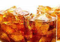 Apa din cuburile de gheaţă din băuturi conţine mai multe bacterii decât cea de la toaletă
