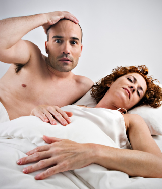 """Psiholog: """"Bărbații folosesc masturbarea pentru a compensa lipsa satisfacției sexuale în dormitor"""""""