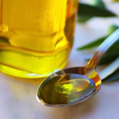 UIMITOR! De ce e bine să consumi o lingură de ulei de măsline în fiecare dimineață