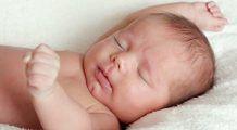 La cât timp după naștere trebuie tăiat cordonul ombilical al bebelușului