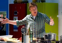 Nu mai puțin de 300 de ambasadori care promovează alimentația sănătoasă are Jamie Oliver în toată lumea. Cinci dintre ei sunt români