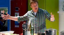 """Cruciada culinară a lui Jamie Oliver  a ajuns în România: """"Nu trebuie să fii înstărit pentru a trăi sănătos"""". PATRU reguli de bază"""