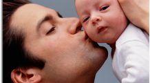 Cum influenţează vârsta tatălui sexul şi înălţimea copilului