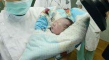 Prima gravidă infectată cu virusul H7N9 din lume a dat naştere unui copil sănătos