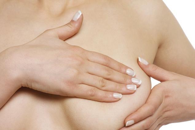 Cancerul avansat la sân atacă în fiecare an peste 10.000 de femei din România