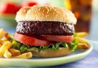 Top 10 cele mai proaste alegeri alimentare pe care le poți face. Cartoful și brioșele, cap de afiș