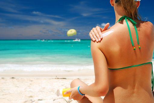 Totul despre lotiunile de plaja. Ce trebuie sa stii ca sa nu ai probleme de sanatate
