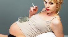 La ce riscuri majore îşi supun copiii femeile care fumează în timpul sarcinii