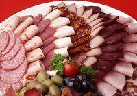 Alimente şi băuturi pe care ar trebui să le evitaţi în zilele călduroase