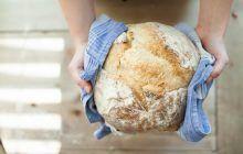 Bună ca pâinea caldă? Sau mai bine nu? Ce zic specialiștii despre consumul de pâine caldă