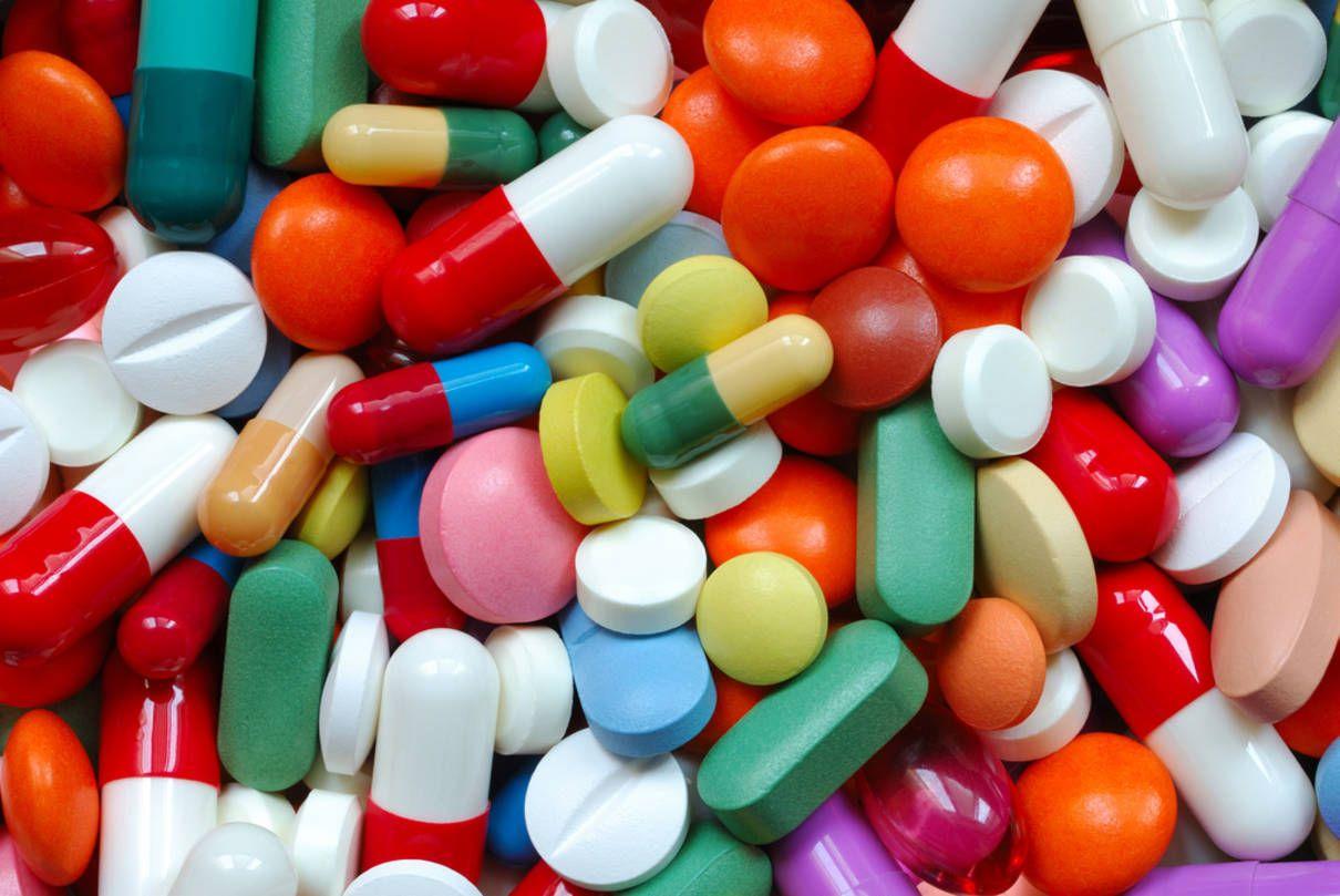 Unul dintre medicamentele cele mai folosite din România poate cauza o boală autoimună pentru care nu există leac