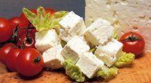"""Îngrașă sau nu roșiile cu brânză? Mihaela Bilic: """"Puteți mânca fără grijă roșii cu brânză cu condiția să…."""""""