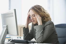 Angajatorii români vor fi nevoiți să implementeze un sistem protecție a angajaților împotriva surmenajului la locul de muncă