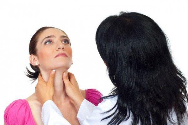 Femeile, țintele bolilor autoimune și ale cancerului de tiroidă