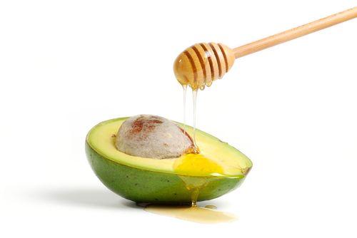 Cum să păstrezi avocado proaspăt în frigider mai mult timp