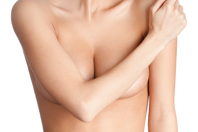 Un gest banal pe care îl fac multe tinere creşte cu 13% riscul de cancer la sân