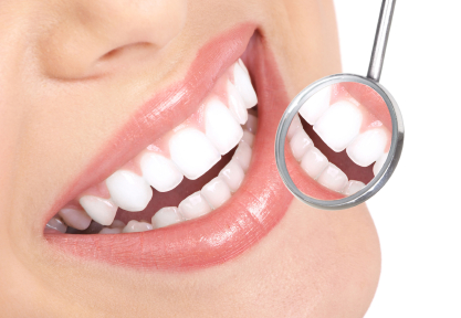 Vrei să ai dinții albi? Iată 10 rețete pe care trebuie să le încerci